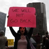 À Los Angeles, une manifestation pour le droit à l'avortement.