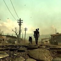 Un homme avec un fusil accroché dans le dos et un chien marchent, vus de dos, dans un univers post-apocalyptique.