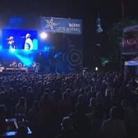 Des dizaines de milliers de personnes ont assisté aux différents spectacles présentés sur la rue Racine pendant le festival.
