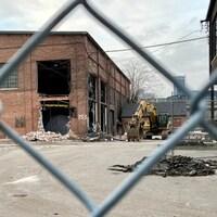 Les quatre bâtiments qui composent le site de la fonderie Dominion dans le West Donlands de Toronto ont été ajoutés au registre du patrimoine de Toronto en 2004.