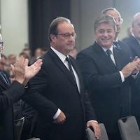 L'ancien président français François Hollande en compagnie de l'ex-première ministre du Québec Pauline Marois lors d'une conférence à Montréal.