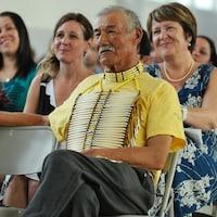 Fred Neegan lors de la remise de son doctorat honorifique.