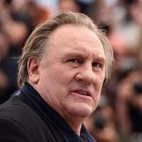 Gros plan de Gérard Depardieu.