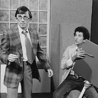 André Cartier et Ghyslain Tremblay préparant un sketch pour l'émission « Pop citrouille » en 1980.