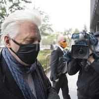 Arrivée de Gilbert Rozon au palais de justice ce matin.