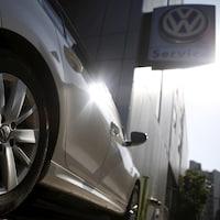 Une voiture Golf TDI de Volkswagen.