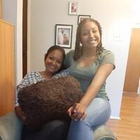 Fedjanie Daphnée Deetjen et sa fille Tanisha dans leur appartement de Trois-Rivières, où elles habitent depuis le 1er juillet 2018.