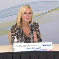 La docteure Heather Morrison en conférence de presse.