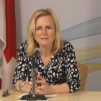 La médecin hygiéniste en chef de l'Île-du-Prince-Édouard, la Dre Heather Morrison, lors du point du presse quotidien sur le coronavirus le 31 mars 2020.