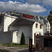 Les pompiers au 77 rue de la Baie, à Gatineau.