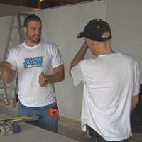 Des gens de la JCW dans le chantier du nouveau local