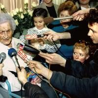 Jeanne Calment peu de temps avant son anniversaire, en février 1996.