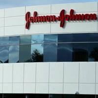 Un bâtiment Johnson & Johnson à Irvine, Californie, États-Unis, le 24 janvier 2017.