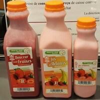 Des contenants de jus de fruits.