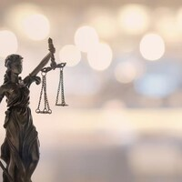 La statue représentant la justice.
