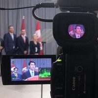 Le chef libéral Justin Trudeau vu par l'objectif d'une caméra.
