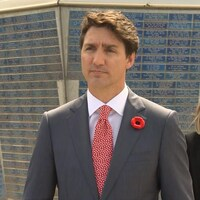 Justin Trudeau répond à des questions
