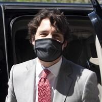 Le premier ministre Justin Trudeau avec un masque.