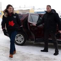 Le premier ministre du Canada, Justin Trudeau, arrive à Iqaluit, au Nunavut