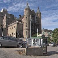 Une vue de l'ancien hôpital Royal-Victoria