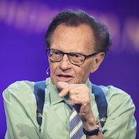 Buste de Larry King