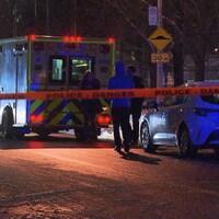 Une ambulance dans une rue lavalloise.