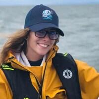 Leah Creaser sur un bateau.