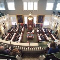 L'Assemblée législative de la Nouvelle-Écosse vue de la mezzanine.