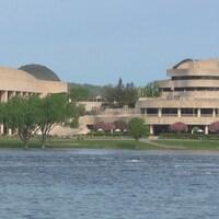 Vue du Musée canadien de l'histoire et de la rivière des Outaouais.