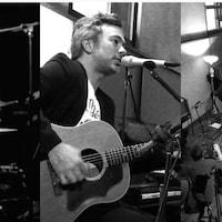 Le projet Live au studio (Live en studio) a été enregistré le 15 mai 2019 au Studio PM, à Montréal, en compagnie de 14 musiciens et musiciennes.