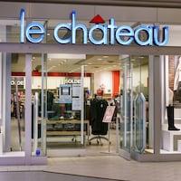 Devanture d'un magasin Le Château.