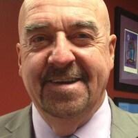 Le maire Keith Hobbs est accusé d'extorsion et d'entrave à la justice.
