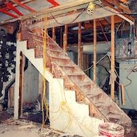 Le sous-sol d'une maison inondée