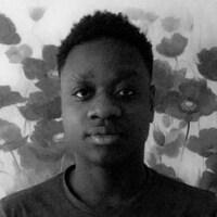 Photographie d'un jeune homme.