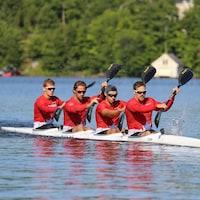 L'équipe du K4 tentera de se qualifier pour les Jeux olympiques de Tokyo et ainsi permettre à Mark de Jonge (à l'avant) de vivre l'aventure olympique une dernière fois