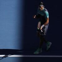 Le Canadien Milos Raonic célèbre sa victoire, poing serré.