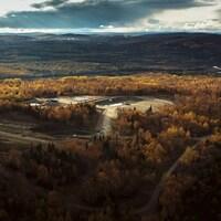 Une vue aérienne du site
