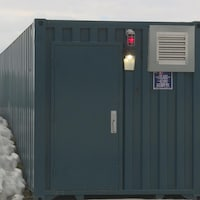 Le nouveau laboratoire installé dans des conteneurs sur le terrain du Cégep de Sept-Îles.