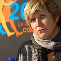 Nathalie Simon, mairesse de Châteauguay et présidente du Comité Femmes de l'UMQ, lors d'une conférence de presse