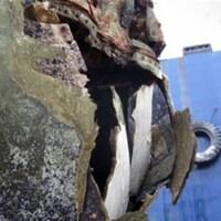 Une partie endommagée du sous-marin NCSM Corner Brook