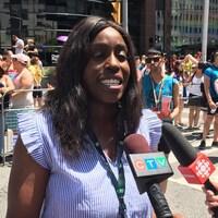 Olivia Nuamah accorde une entrevue aux journalistes.
