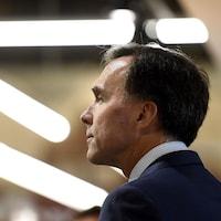 Une photo du ministre fédérale des Finances Bill Morneau   lors d'une annonce à Ottawa.