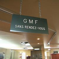 Pancarte d'accueil d'un GMF, ou groupe de médecine familiale.