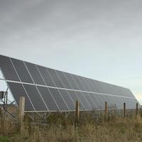 Panneaux solaires. En plus de l'éolien, Nergica travaille avec le solaire.