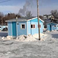 Cabanes sur la glace.