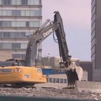 Decontie Construction est responsable des travaux de décontamination du sol dans le chantier de Zibi.