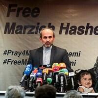 Peyman Jebelli, directeur de la chaîne d'information en continu Press TV, s'exprime lors d'une conférence de presse  à Téhéran le 16 janvier 2019.