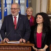 Pierre Arcand s'adresse aux journalistes.