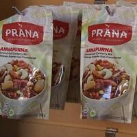 L'entreprise Prana se spécialise dans la production de produits alimentaires biologiques.