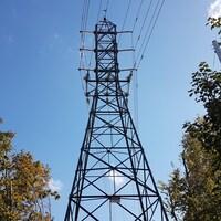 Un pylône d'électricité à Halifax, en Nouvelle-Écosse.